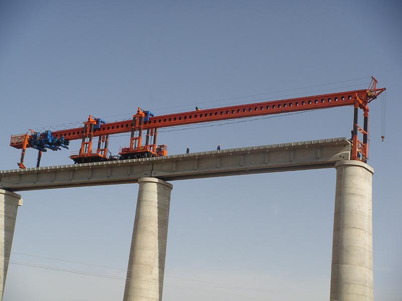 用DJP180型架铺机铁路架梁施工