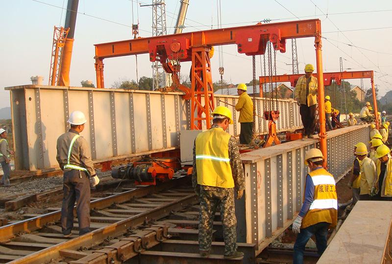 铁路钢便梁运架机